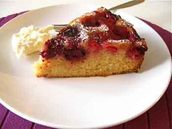Как приготовить быстрый сладкий пирог в мультиварке