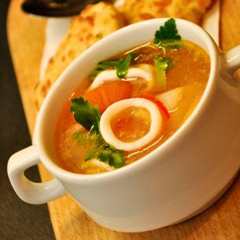Грибной суп с кальмарами