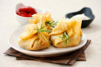 Рецепт блинных мешочков с грибным жульеном