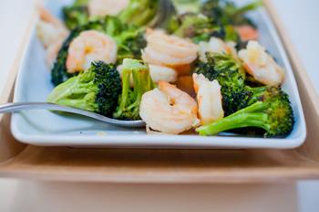 рецепт брокколи Салат с и морепродуктами