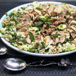 Салат из белокочанной капусты и грибов с курицей