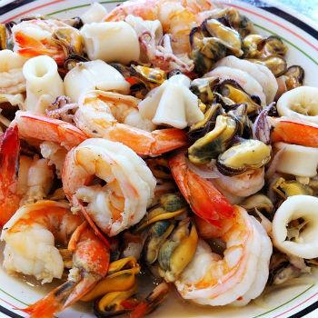 салат с креветками и оливками рецепт с фото