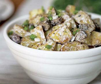 рецепт салата с жареными баклажанами и грибами