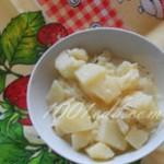 Картофель в сметане в мультиварке