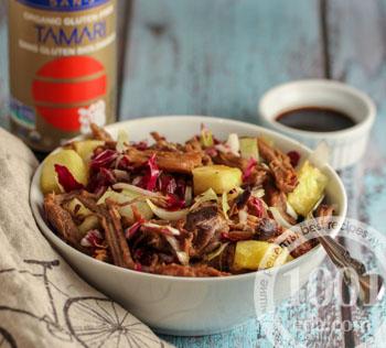 Как приготовить салат с ананасами и свининой