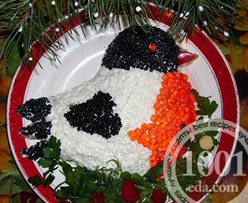 Праздничный салат Снегирь