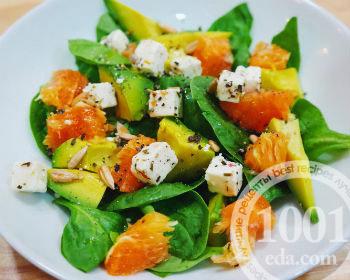 Салат с апельсином, авокадо и кунжутом: оригинальное сочетание новые фото