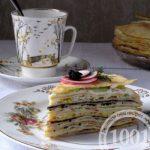 Холодная закуска Соленый блинный торт с сыром и оливками