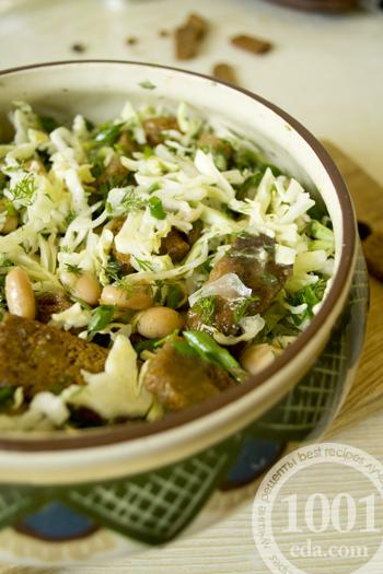 Салат из фасоли и капусты