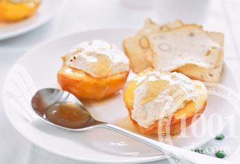 Рецепт запеченных персиков с творогом