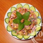 Салат Летний с колбасой и помидорами