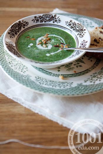 Гороховый суп-пюре со шпинатом и крапивой, пошаговый рецепт с фото