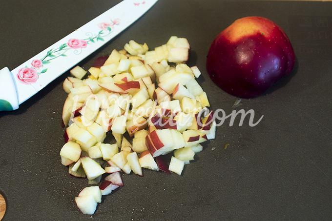 Манная каша с яблоком и тёртым шоколадом - рецепт пошаговый с фото