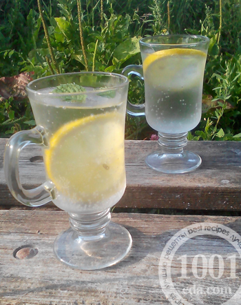 Вода с лимоном рецепт с фото