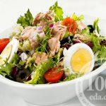 Салат из щуки с помидорами, яйцами и плавленым сырком
