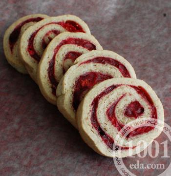 рецепт рулета бисквитного с клюквой