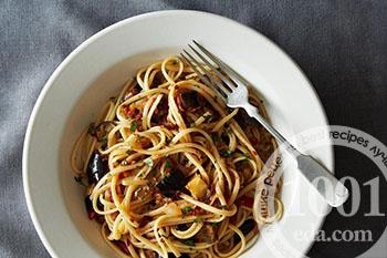 Как приготовить макароны с баклажанами и курицей