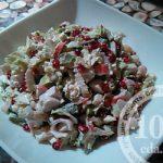 Салат из пекинской капусты с крабовыми палочками и фасолью