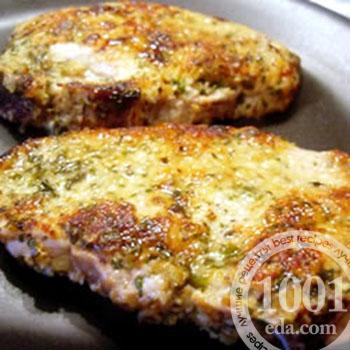 Отбивные из говядины в духовке с маринованными огурчиками и сыром