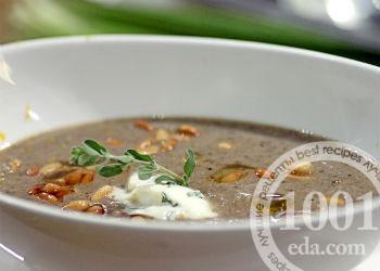 Грибной суп-пюре из белых грибов с кедровыми орешками