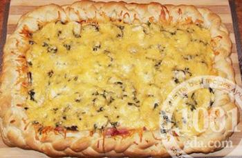 Рецепт экономного пирога с колбасным ассорти