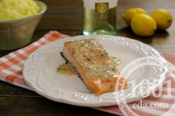Стейк из лосося в сливочном соусе