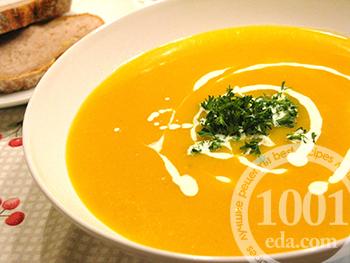 Суп-пюре с тыквой на курином бульоне