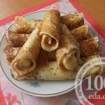 Русские блины на молоке с банановой начинкой