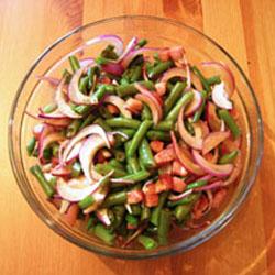 Постный салат с каперсами и овощами