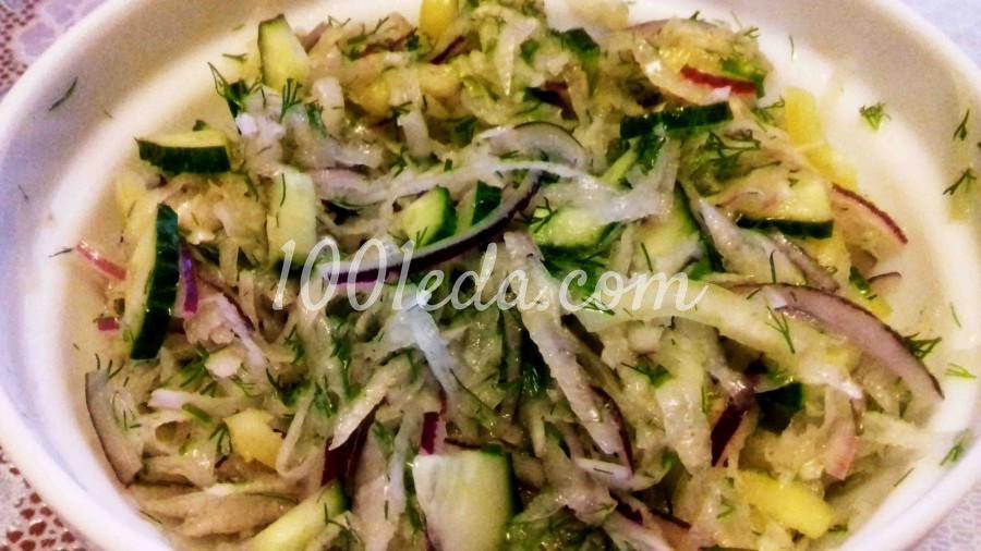 Легкий витаминный салат с дайконом и овощами