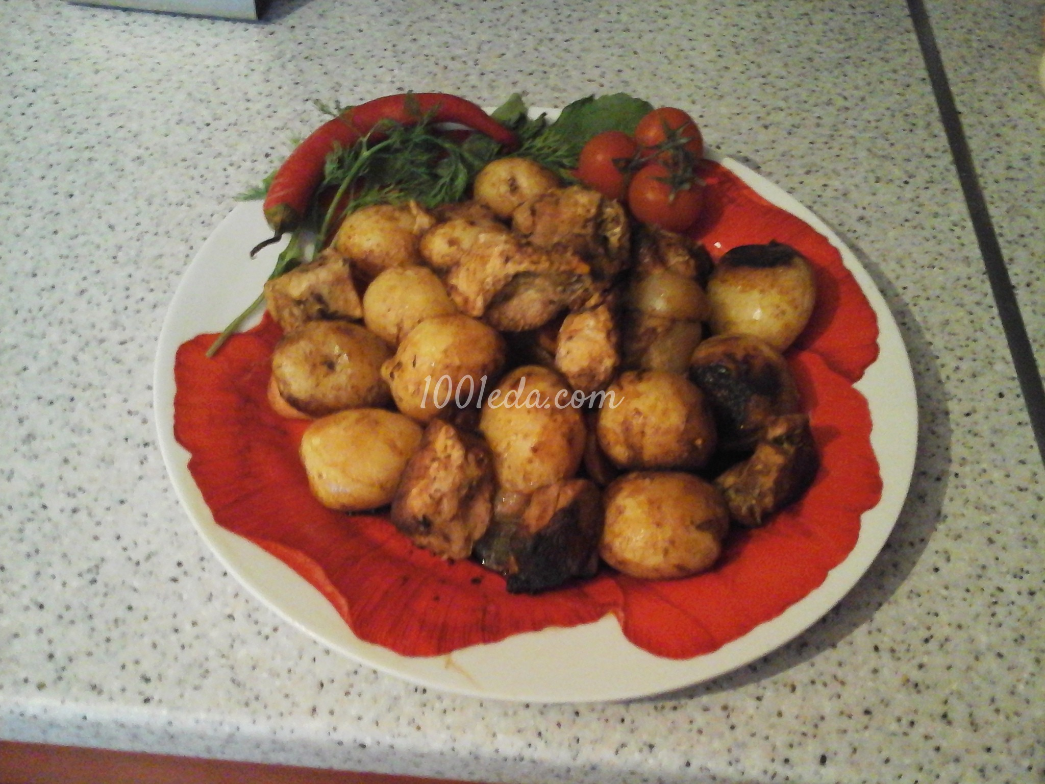 Как приготовить молодую картошку в духовке в рукаве