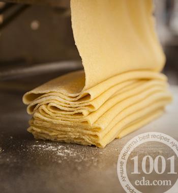 Приготовить тесто для лазаньи в домашних условиях