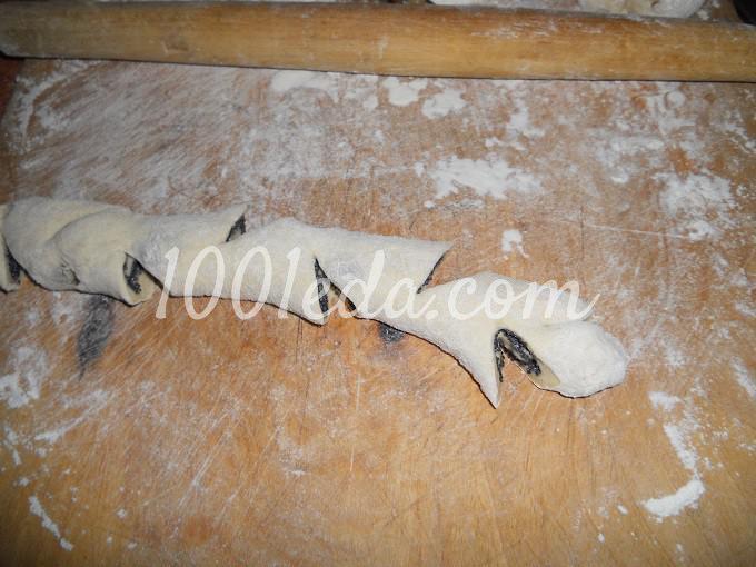 Булочки с изюмом и маком: рецепт с пошаговым фото - Шаг №8