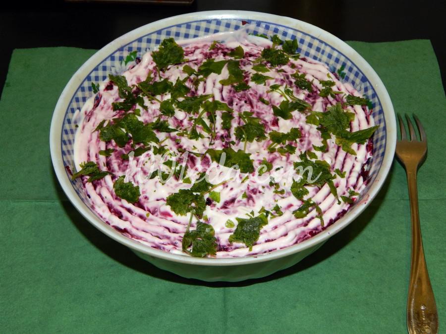 Салат с рыбными консервами Настоящий полковник: рецепт с пошаговым фото