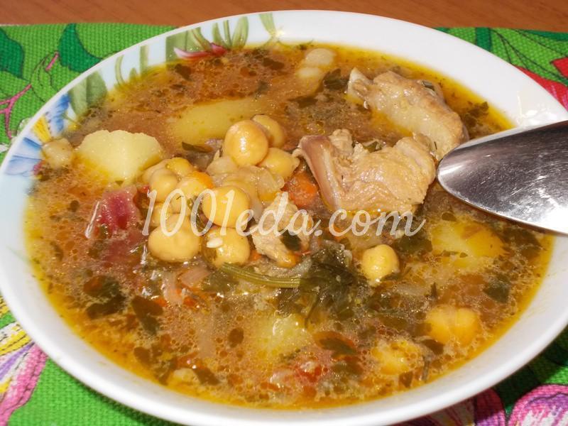 Густой суп с нутом и свининой на косточке