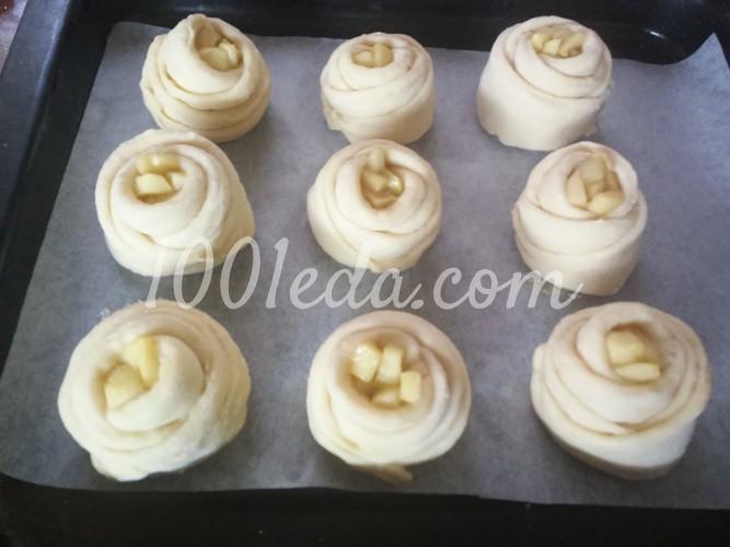 Дрожжевые булочки Розочки с яблоками: рецепт с пошаговым фото