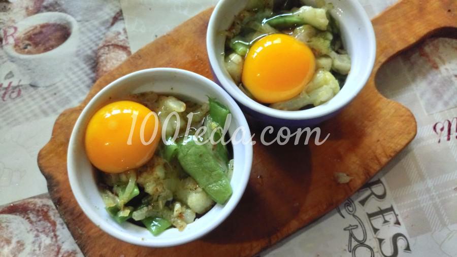 Глазунья, запечённая с овощами