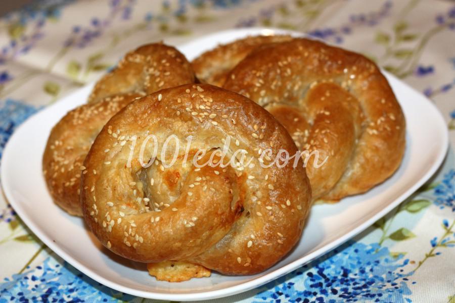 Слоеный крендель с сыром и соленой брынзой: рецепт с пошаговыми фото