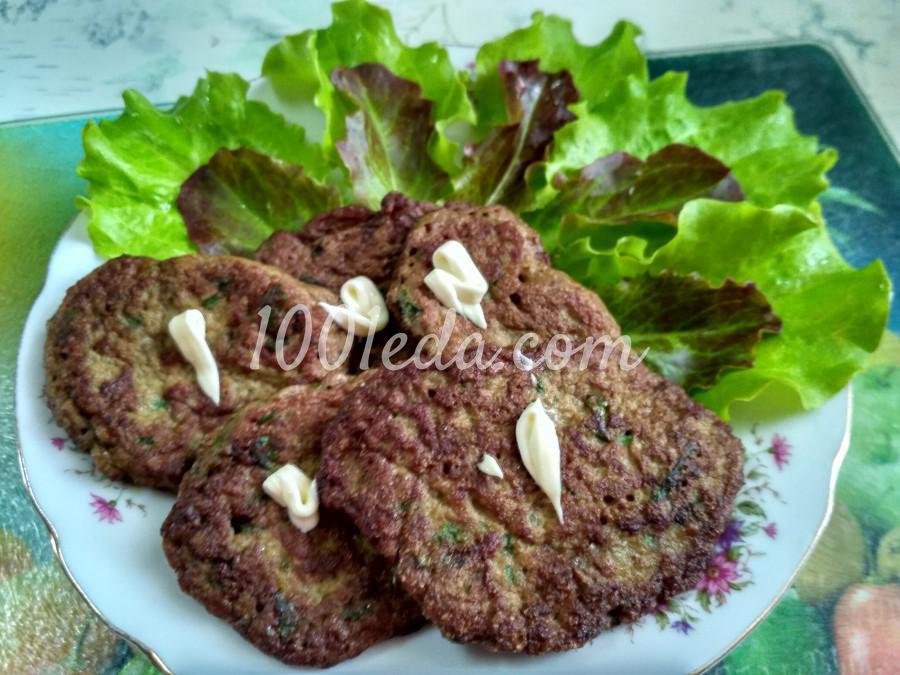 Печеночные оладьи с манной крупой и зеленью