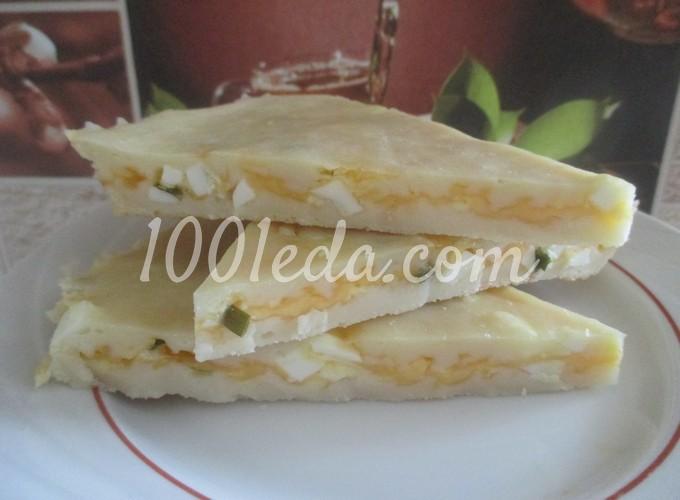 Закусочный пирог с сыром и яйцом