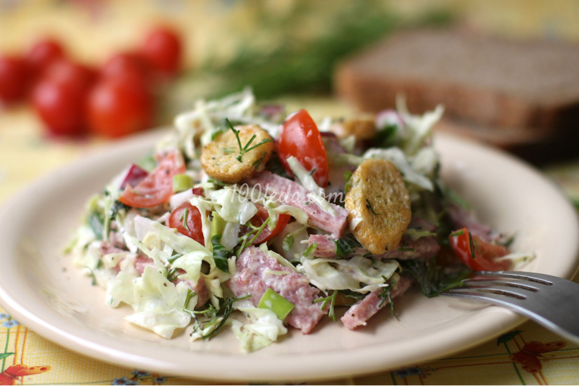 Салат с сухариками и мясом рецепт