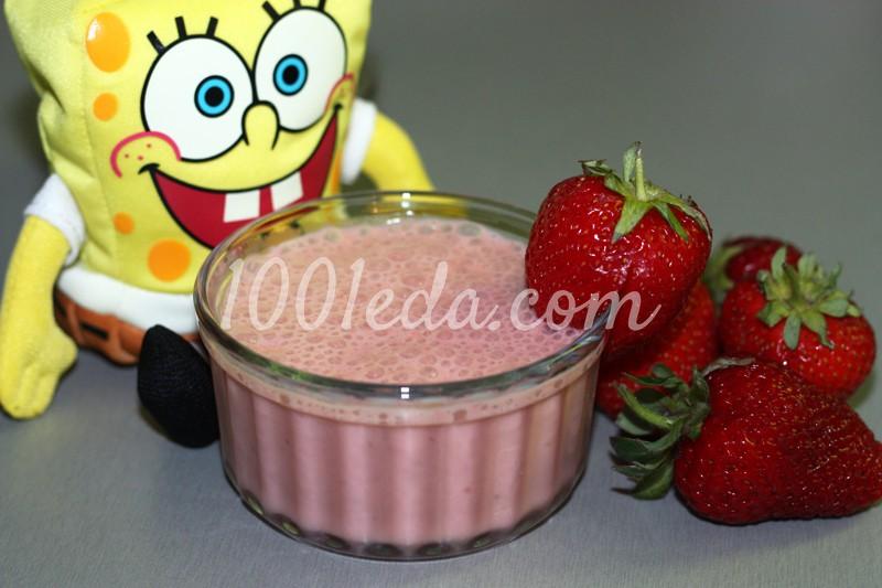 Питьевой йогурт с клубникой для детей