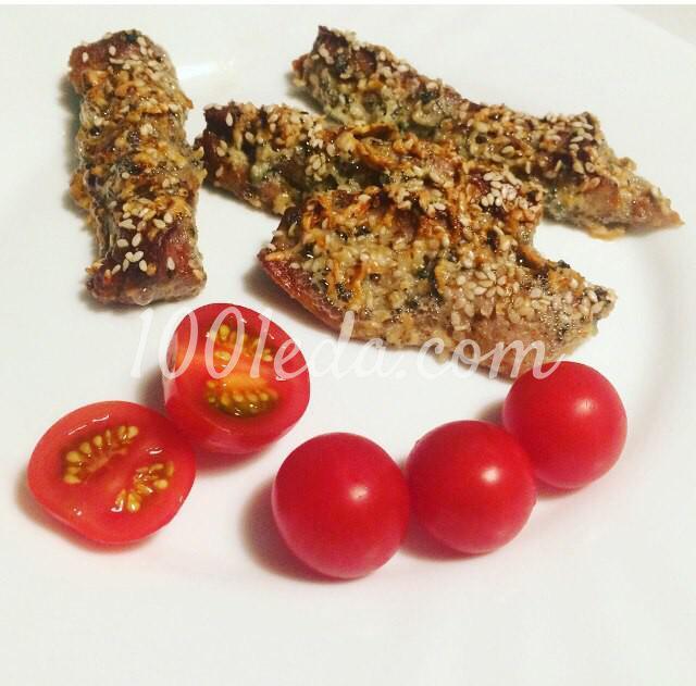 Пикантные палочки из свинины с сыром Дор Блю и кунжутом