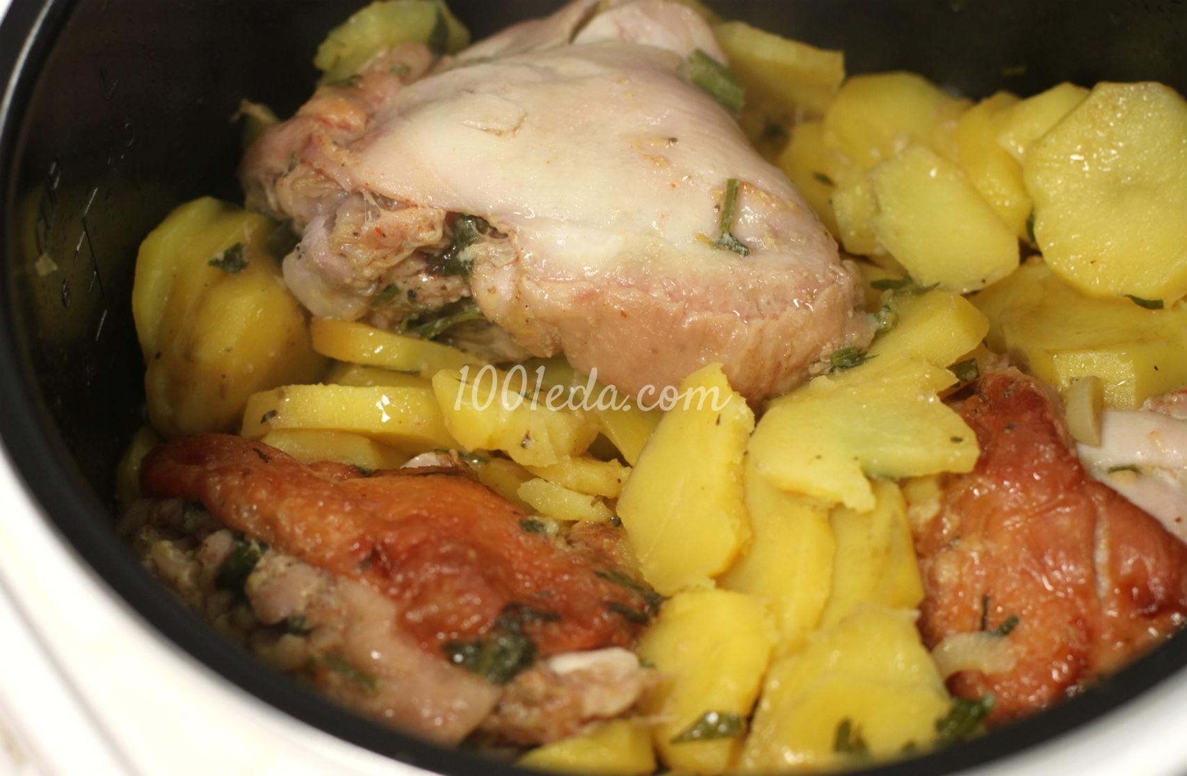 Картофель с куриными бедрами, запеченные в мультиварке: рецепт с пошаговым фото - Шаг №4