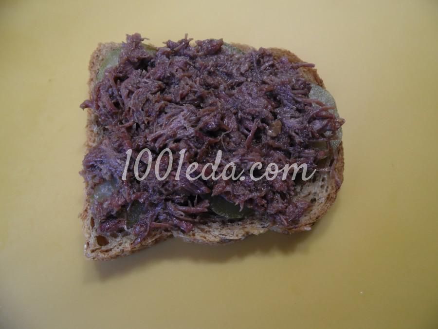 Мужской бутерброд с тушенкой: рецепт с пошаговым фото - Шаг №4