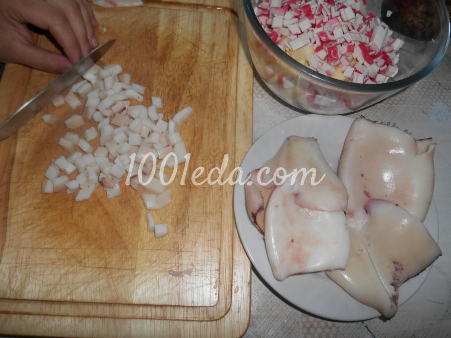 Салат с кальмарами, крабовыми палочками и яблоком: пошаговый с фото - Шаг №3