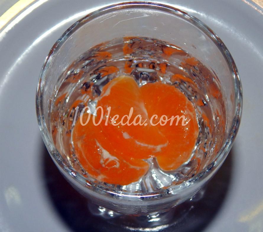 Слоеный фруктовый салат с мороженым, шоколадом и ягодным сиропом: пошаговый с фото - Шаг №2