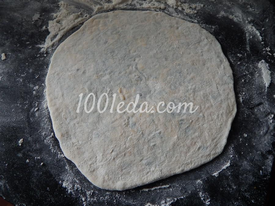 Сырная лепешка с зеленью: пошаговое фото - Шаг №3