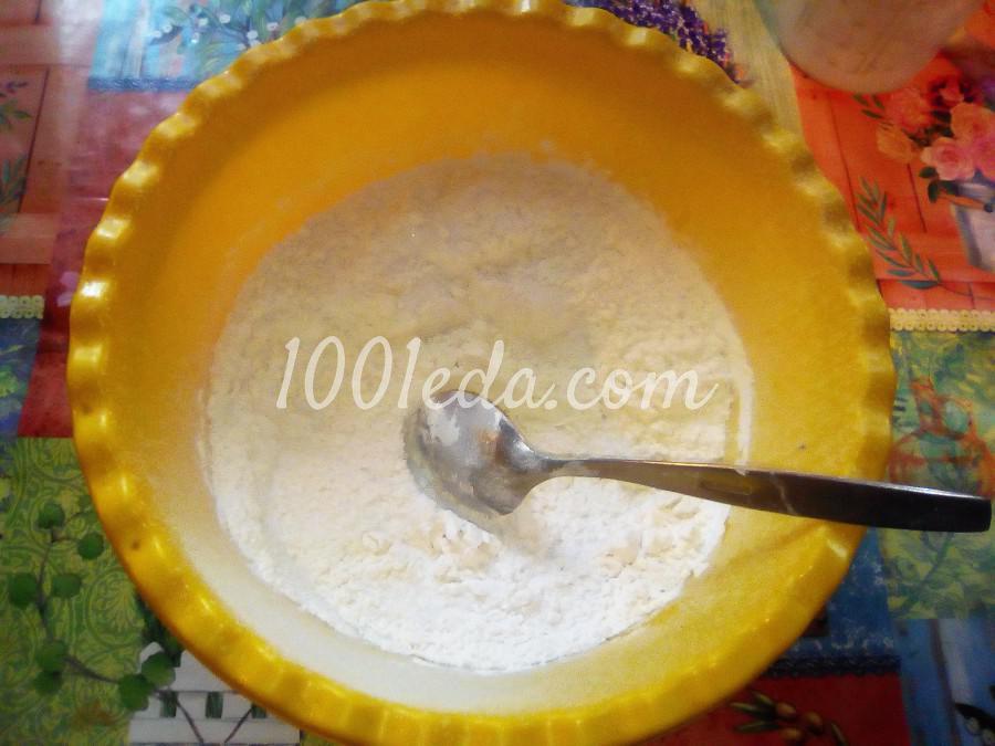 Вкусный пирог с черникой и сметанной заливкой: пошаговый с фото - Шаг №3