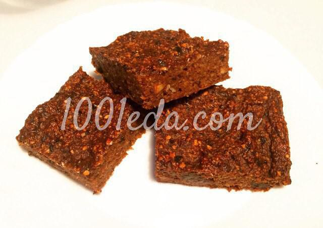Полезный брауни с черносливом и миндалем